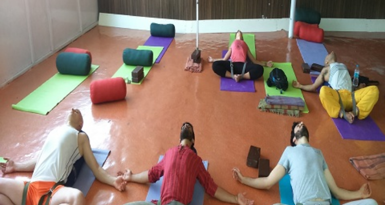 14 Days Meditation Yoga Retreat in The Himalayas Rishikesh India