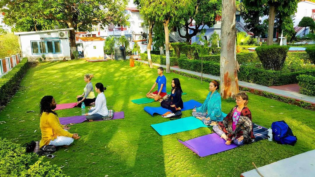 28 days Training | 200 Hour Hatha Yoga Teacher Training in Rishikesh, India
